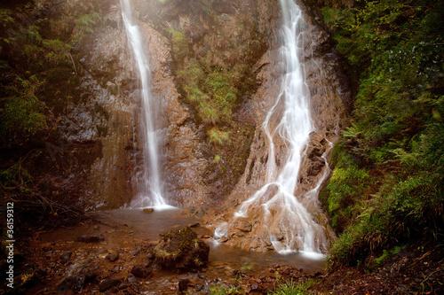 Fototapeta wodospady wodospad-w-jaskini
