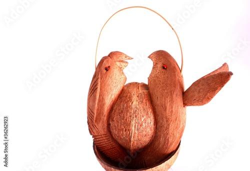 Fotografering  uccelli fatti con noce di cocco