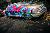 Fototapeta Młodzieżowe - Painted and broken car