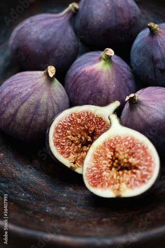 fioletowe-figi-owoce