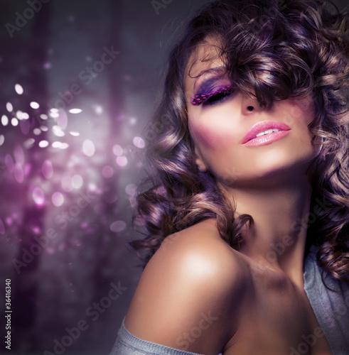 portret-piekna-moda-sexy-girl-makijaz-wakacyjny