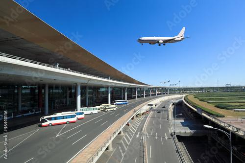 Staande foto Luchthaven flight arrival