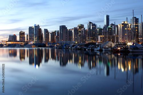 Spoed Foto op Canvas Canada Coal Harbor Reflections at Dawn