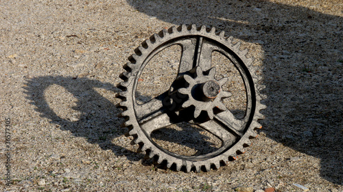 Staande foto Industrial geb. ingranaggio meccanico