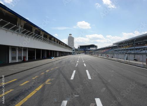 In de dag Stadion pit lane in Hockenheim