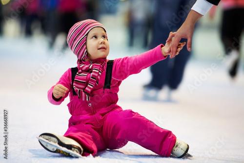 Fotografia child leaning skating