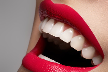Obraz na PlexiClose-up happy female smile with healthy white teeth