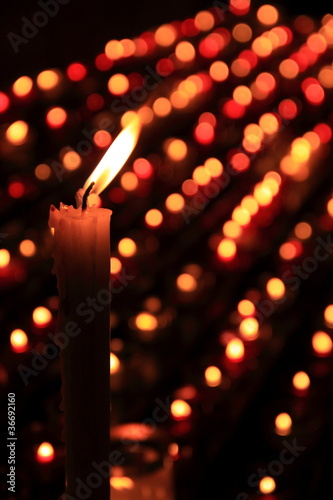 Fotografia, Obraz  Light candles in a crypt