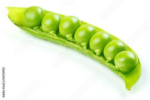Fotografía  Fresh green pea pod over white background