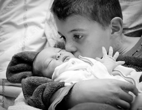 Fotografie, Obraz  Maternité : naissance d'une petite soeur