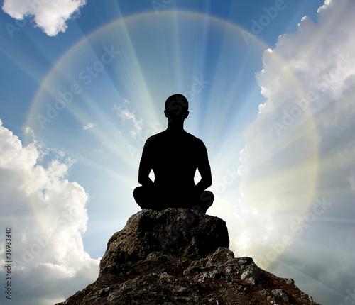 Stampa su Tela Silhouette of man and sunshine
