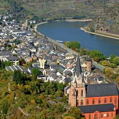 Fototapeta na wymiar OBERWESEL im oberen Mittelrheintal bei Bingen
