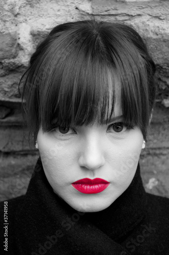 Poster Rouge, noir, blanc Fashion model portrait in black and white with red lips