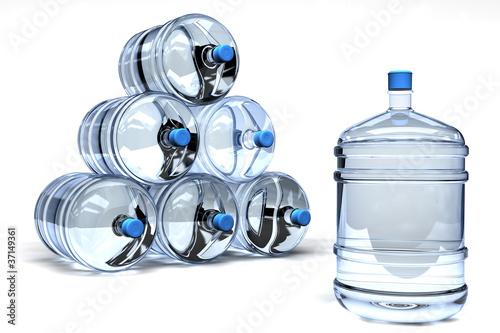 Fotografía  garrafas de agua embotellada