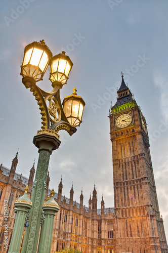 big-ben-wierza-zegar-przy-londyn-anglia