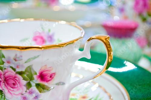 Carta da parati Antique floral tea set macro shot