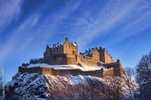 Poster de jardin Chateau Edinburgh Castle In Winter Sunset