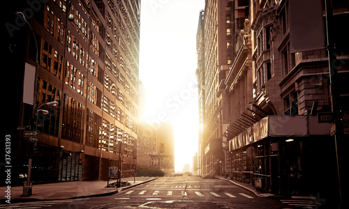 Absolutely empty street in New York early morning - 37631393