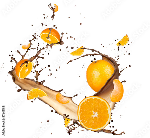 Foto op Canvas In het ijs Oranges in chocolate splash, isolated on white background