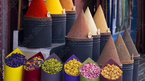 Papiers peints Maroc Spices and flower shop in Fez, Morocco