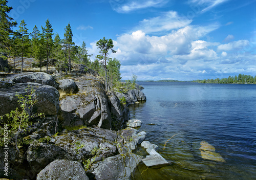 Fotografija Stony shore of Ladoga lake