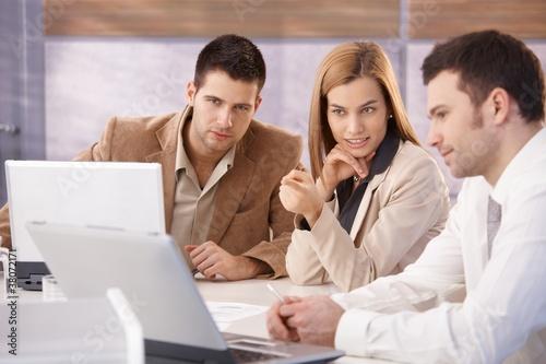 Láminas  Young professionals teamworking