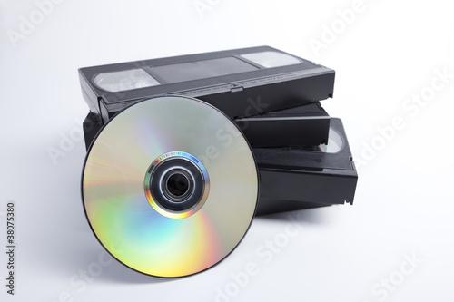 Fotografie, Obraz  VHS vs DVD