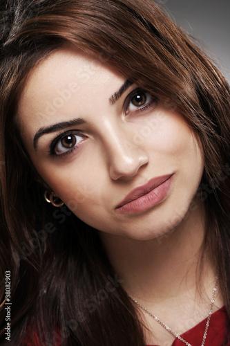 Papiers peints Portrait of beautiful brunette with long hair