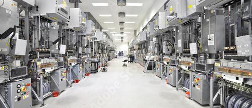 Leinwand Poster moderne Industrieanlage // High Tech Fabrication