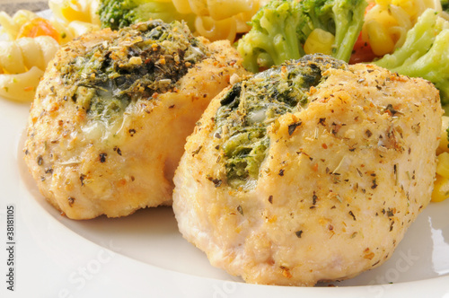 Photo Chicken breasts stuffed with spinach florentine