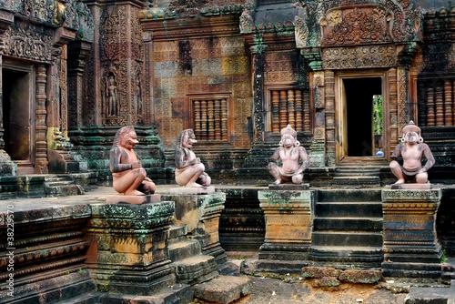 Photo Banteay Srei temple at Angkor, near Siem Reap, Cambodia