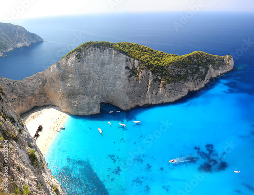 Foto-Leinwand - Navagio Beach with shipwreck in Zakynthos, Greece