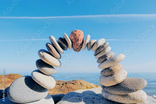 Foto op Plexiglas Stenen in het Zand In center of arc