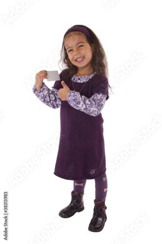 Enfant Avec Carte De Visite Dans Les Mains Et Pouce Leve