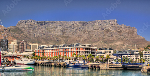 Fotobehang Zuid Afrika Cape Town with Table Mountain in the background