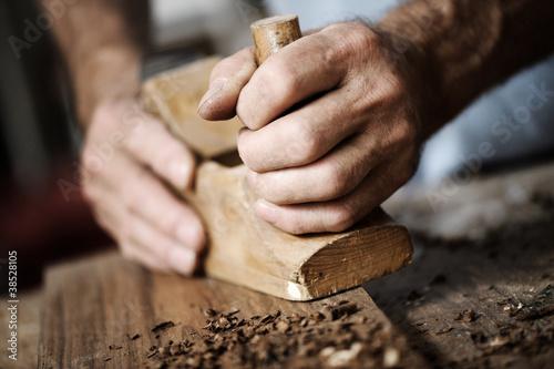Obraz hands of a craftsman - fototapety do salonu