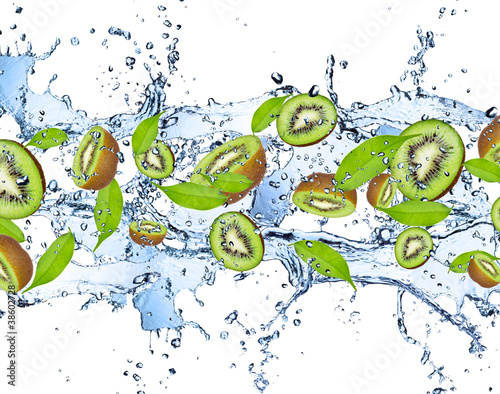 Poster Eclaboussures d eau Fresh kiwis with juice splash, isolated on white background