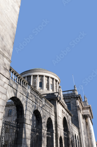 Photo  The Four  Courts in Dublin City Ireland