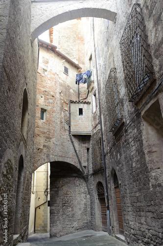 Fototapety, obrazy: Old street of Todi