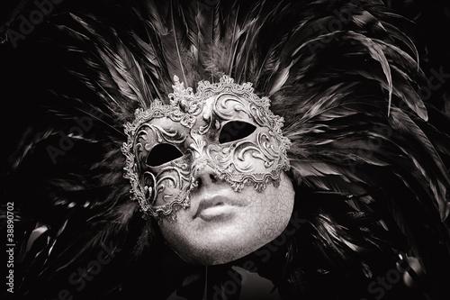 Plakaty czarno białe czarno-biala-maska-wenecka