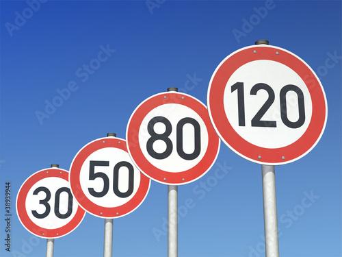 Fotografía  Geschwindigkeitsbegrenzungen 120 80 50 30