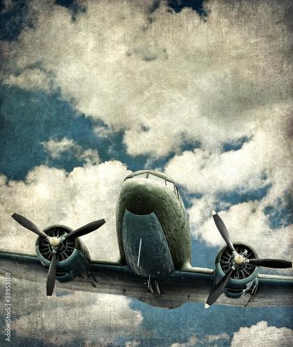 stary-samolot-wojskowy
