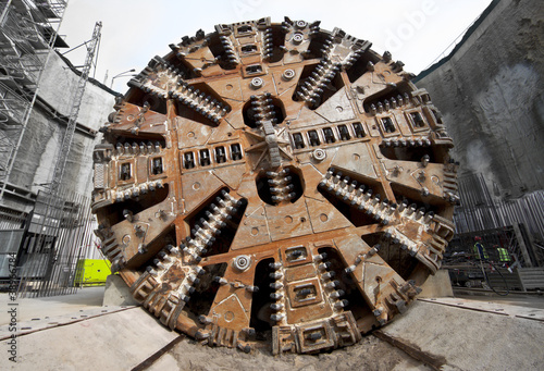 Tunnel boring machine head