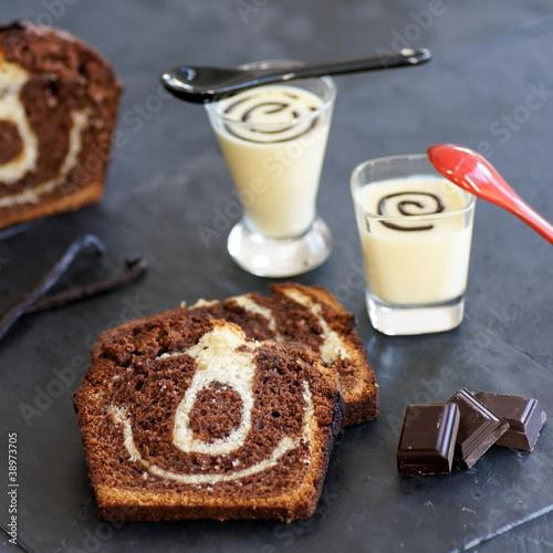 Fotografie, Obraz  gâteau marbré et crème anglaise format carré 2