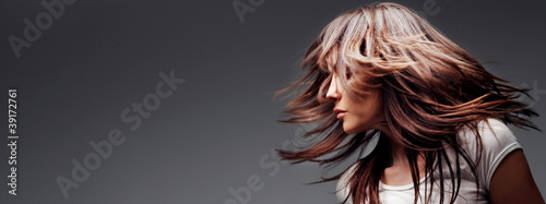 Obraz hair in motion - fototapety do salonu