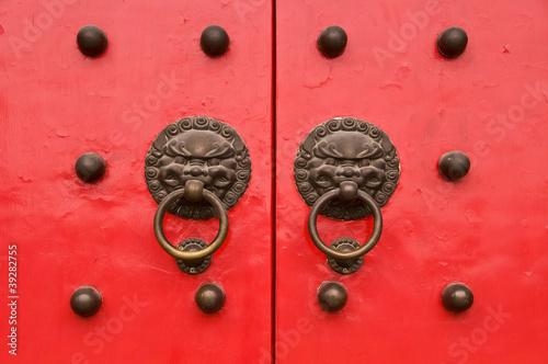 Porte chinoise rouge - Temple Baiyun, Shanghai (Chine)