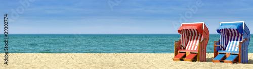 Foto-Leinwand - Strandpanorama mit zwei Strandkörben B800
