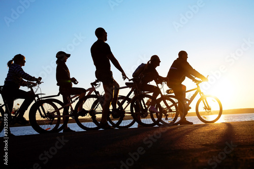 Photo sur Toile Cyclisme group on bicycles