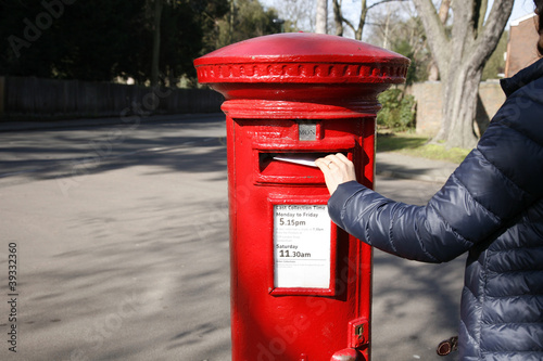 Photo Traditional British red post box