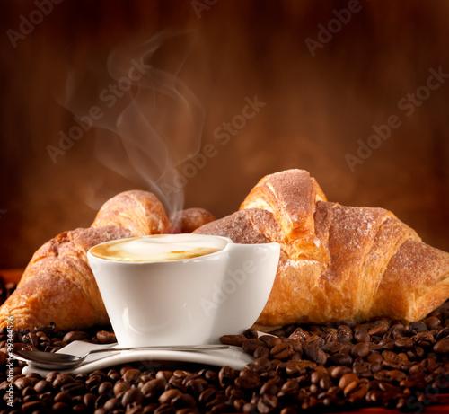 Wall Murals Cafe Colazione con cappuccino e croissant alla cioccolata